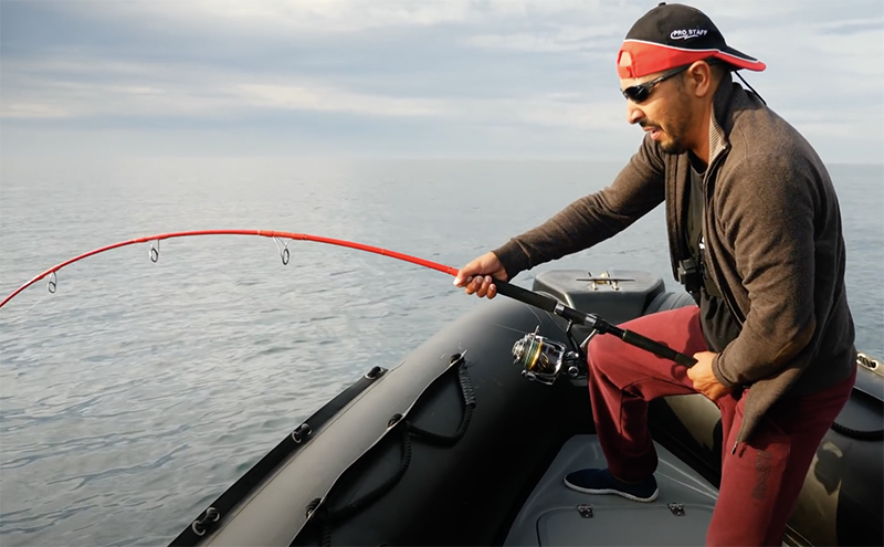 Pêche du thon au leurre avec Mohamed